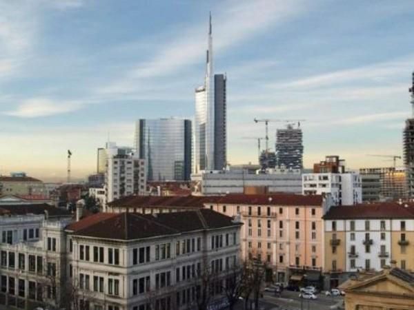 Appartamento in vendita a Milano, Portanuova Turati, Con giardino, 40 mq