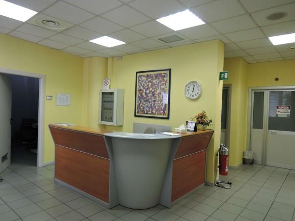 Locale Commerciale  in vendita a Torino, 900 mq - Foto 1