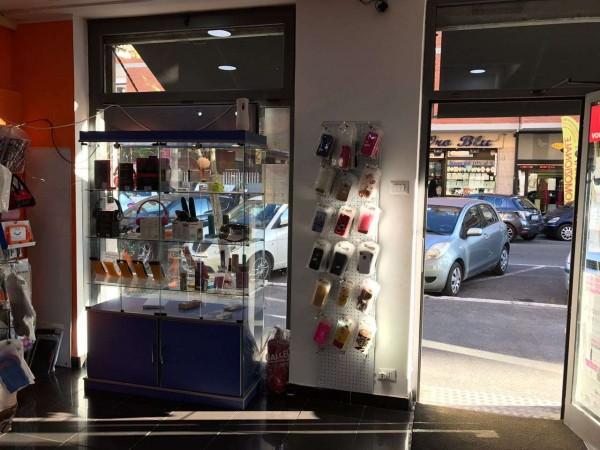 Locale Commerciale  in vendita a Roma, Arredato, 50 mq - Foto 2