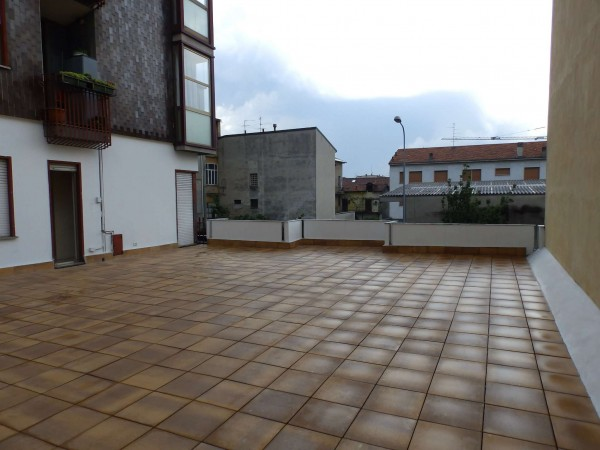 Appartamento in vendita a Seregno, Centro, 92 mq