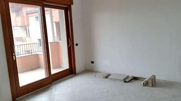 Appartamento in vendita a Muggiò, Centro, Con giardino, 130 mq