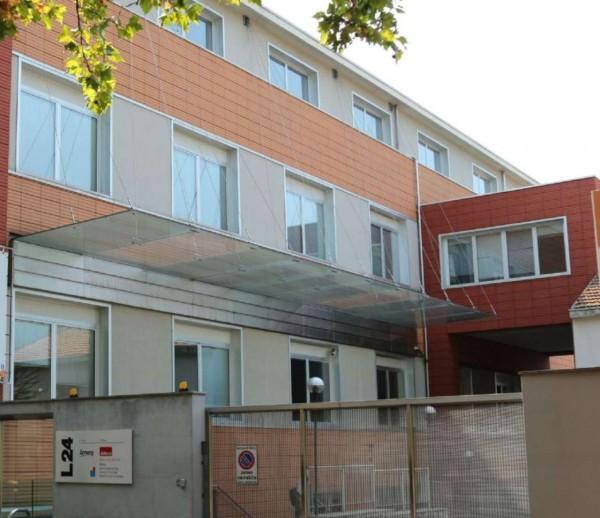 Ufficio in affitto a Milano, 700 mq