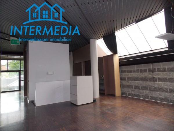 Ufficio in vendita a Rozzano, Con giardino, 2400 mq - Foto 13