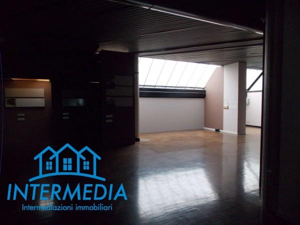 Ufficio in vendita a Rozzano, Con giardino, 2400 mq - Foto 18