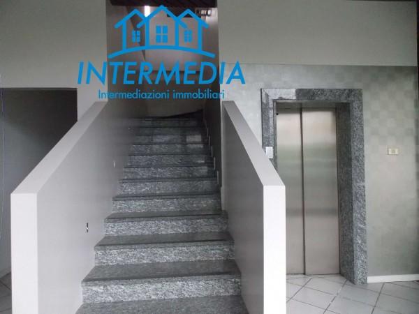 Ufficio in vendita a Rozzano, Con giardino, 2400 mq - Foto 7