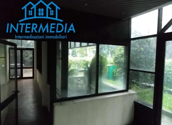 Ufficio in vendita a Rozzano, Con giardino, 2400 mq - Foto 4
