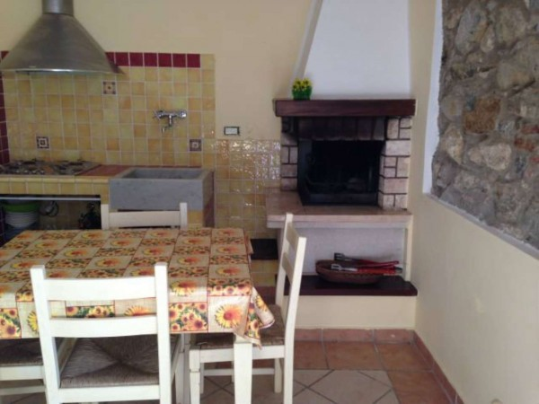 Appartamento in vendita a Fosdinovo, Arredato, con giardino, 40 mq - Foto 1