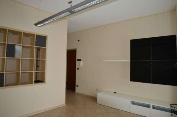 Negozio in affitto a Orbassano, 100 mq - Foto 1