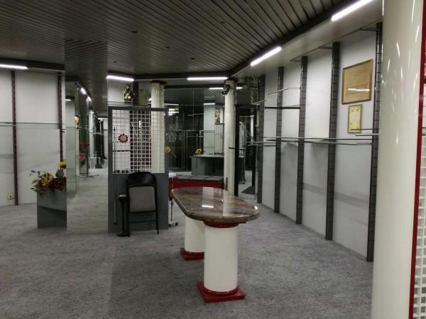 Locale Commerciale  in vendita a Torino, 800 mq - Foto 34