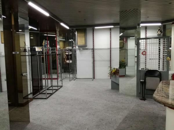 Locale Commerciale  in vendita a Torino, 800 mq - Foto 33