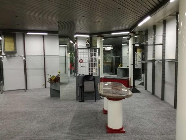 Locale Commerciale  in vendita a Torino, 800 mq - Foto 35