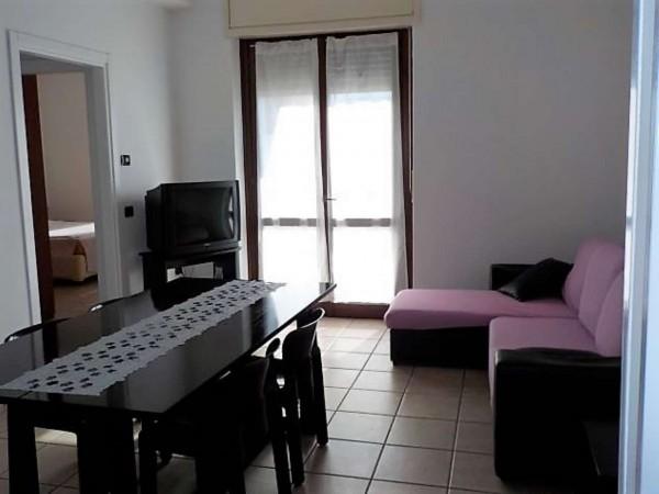 Appartamento in affitto a Busto Arsizio, Arredato, 65 mq