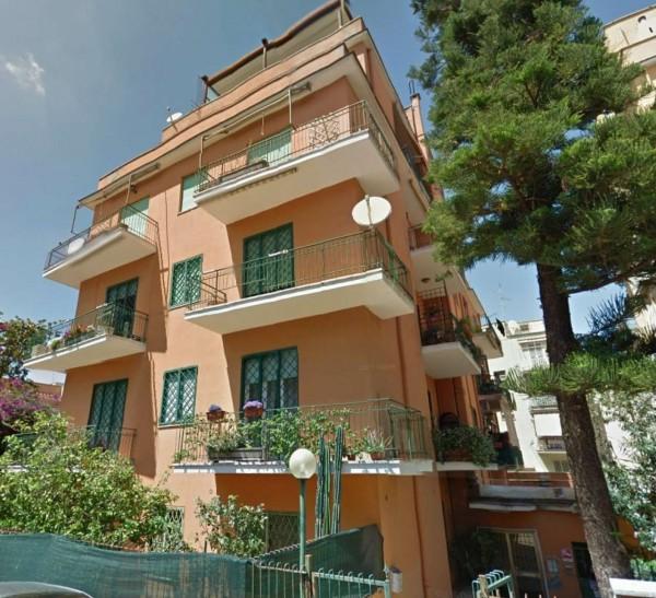 Appartamento in vendita a Roma, Boccea, 42 mq