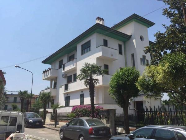 Appartamento in vendita a Sant'Anastasia, Con giardino, 170 mq