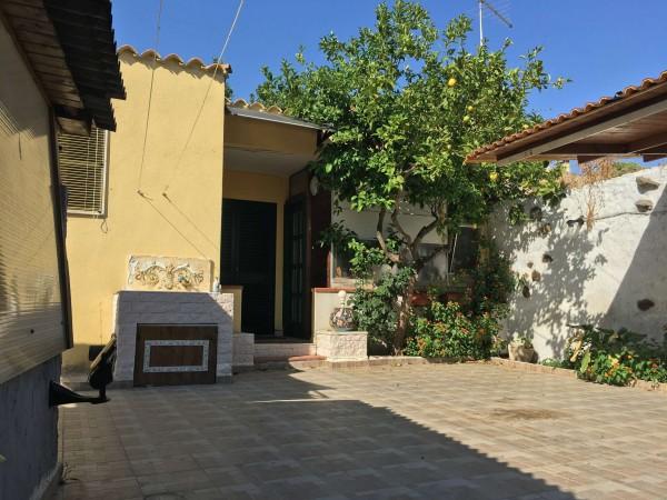 Appartamento in vendita a Dolianova, Centrale, Con giardino, 40 mq