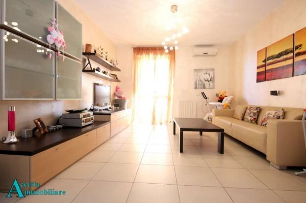 Appartamento in vendita a Taranto, Residenziale, Con giardino, 106 mq
