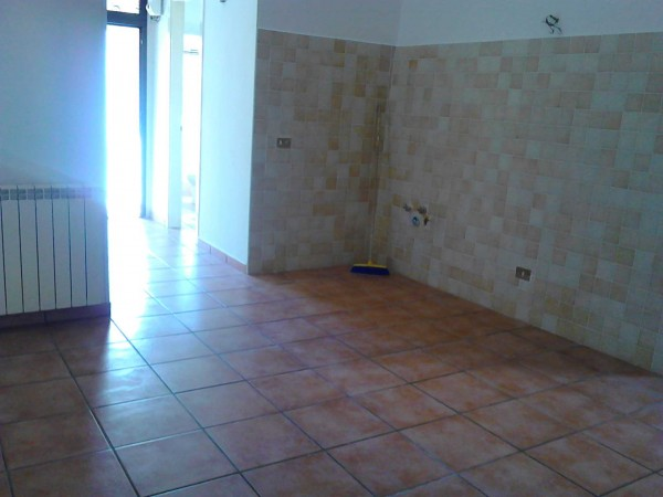 Appartamento in vendita a Terracina, Centro Storico, 75 mq - Foto 2