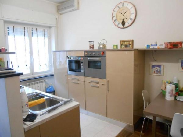 Appartamento in vendita a Genova, Adiacenze Gaslini, 90 mq