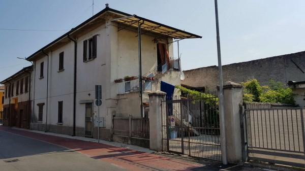 Casa indipendente in vendita a Boffalora d'Adda, Centrale, Con giardino, 181 mq