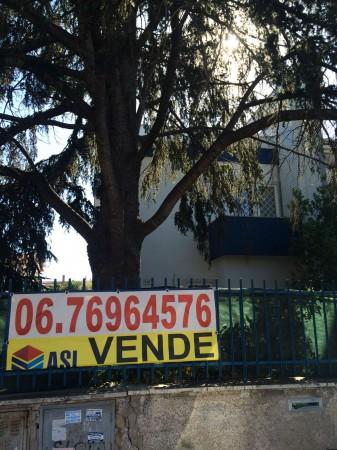 Villa in vendita a Roma, Con giardino, 135 mq