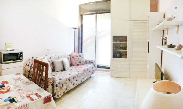 Appartamento in vendita a Arese, Arredato, 35 mq