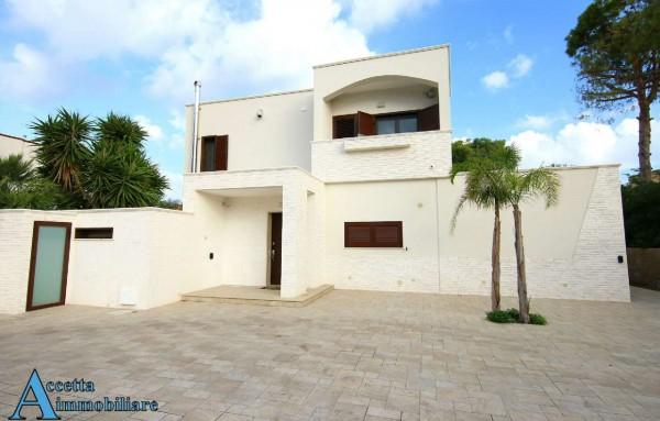 Villa in vendita a Taranto, Residenziale, Con giardino, 220 mq