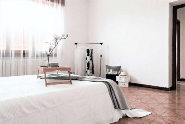 Villa in vendita a Rho, 320 mq - Foto 2