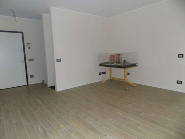 Appartamento in vendita a Garbagnate Milanese, Santa Maria Rossa, Con giardino, 154 mq