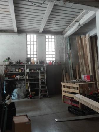 Locale Commerciale  in vendita a Genova, 227 mq - Foto 1