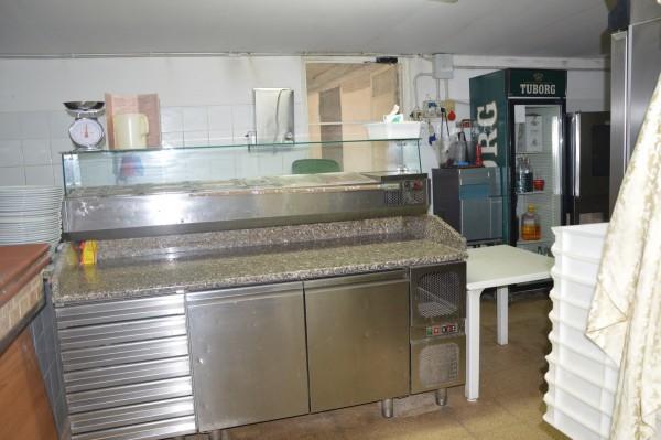 Locale Commerciale  in vendita a Corigliano Calabro, Ss 106, Con giardino, 500 mq - Foto 3