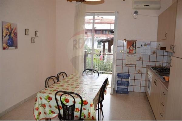 Appartamento in vendita a Rossano, Mare, 75 mq