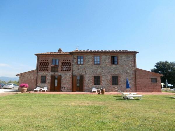 Rustico/Casale in vendita a Altopascio, 450 mq