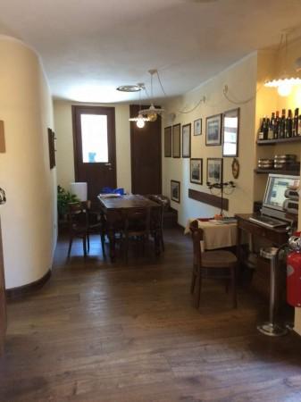 Locale Commerciale  in vendita a Lodi, Arredato, 90 mq - Foto 1