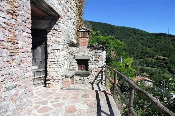 Casa indipendente in vendita a Villa Collemandina, 80 mq