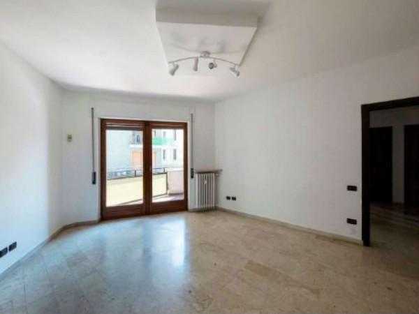 Appartamento in vendita a Varese, Centro, 110 mq