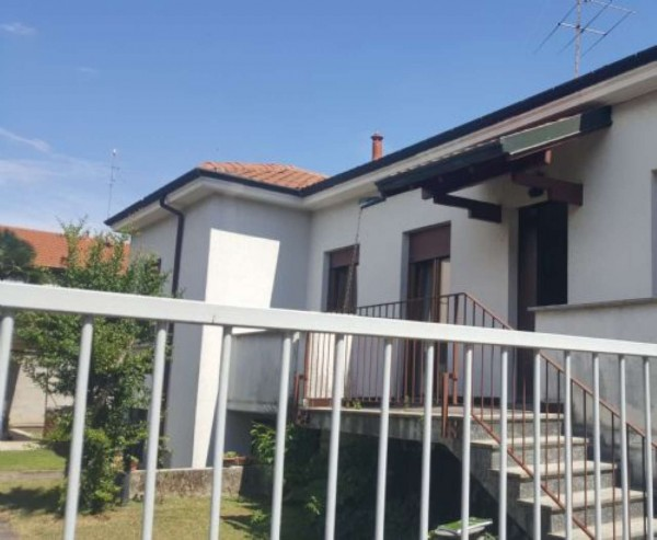Villa in vendita a Busto Garolfo, 200 mq