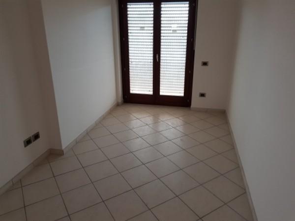 Appartamento in affitto a Trentola-Ducenta, Jambo, 100 mq - Foto 2