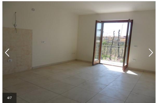 Appartamento in affitto a Trentola-Ducenta, Jambo, 75 mq