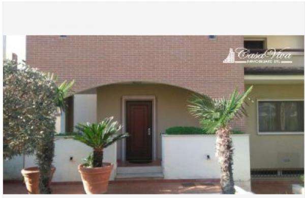 Villetta a schiera in vendita a Lusciano, Centro, 420 mq