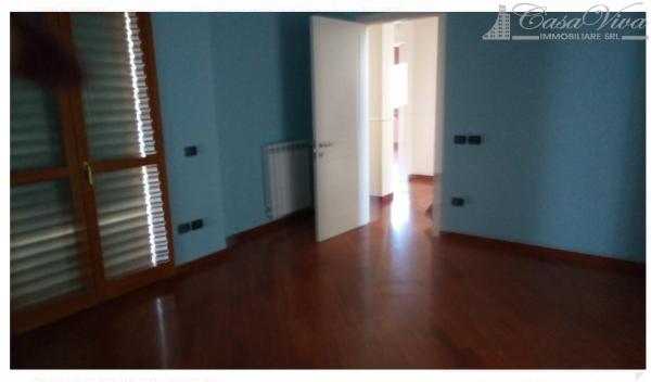 Villetta a schiera in vendita a Lusciano, Via Dell Alibertà, 420 mq - Foto 2