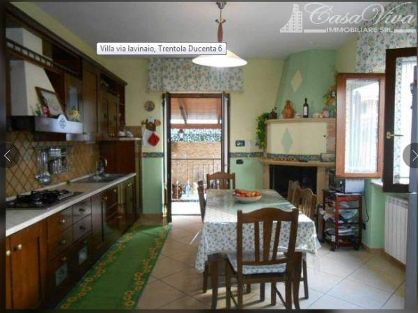 Villetta a schiera in vendita a Trentola-Ducenta, Jambo, 320 mq - Foto 1