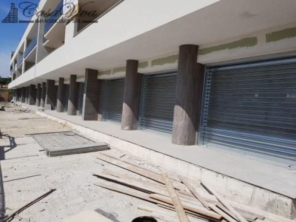 Locale Commerciale  in affitto a Trentola-Ducenta, Jambo, 250 mq - Foto 2