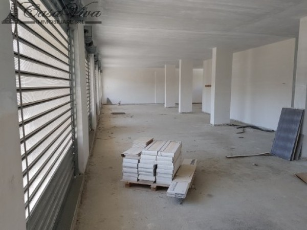 Locale Commerciale  in affitto a Trentola-Ducenta, Jambo, 250 mq - Foto 7