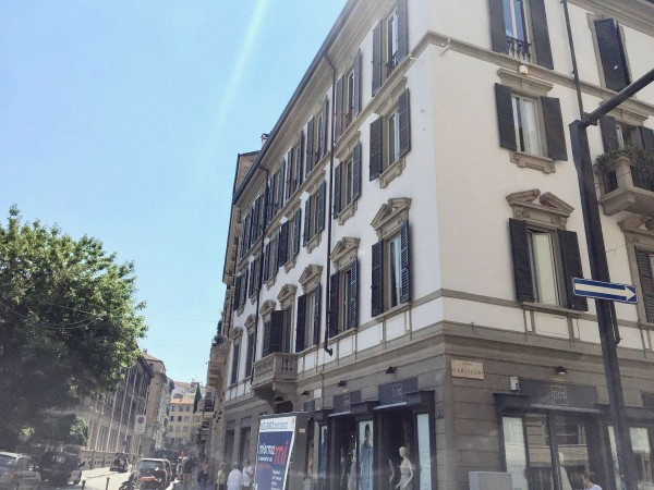 Ufficio in vendita a Milano, Garibaldi, Con giardino, 126 mq