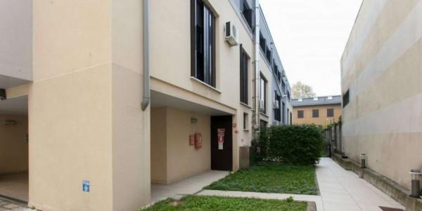 Appartamento in vendita a Milano, Viale Certosa Madonna Di Garegnano, Arredato, con giardino, 52 mq - Foto 8