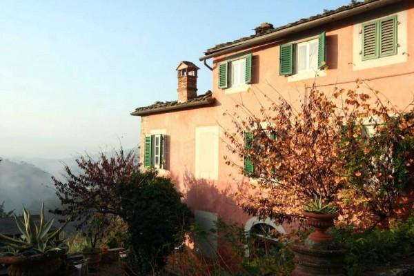 Rustico/Casale in vendita a Lucca, 380 mq