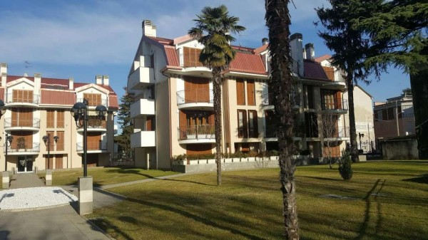 Appartamento in vendita a Gallarate, 110 mq