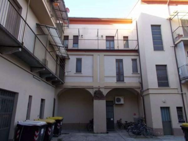 Appartamento in vendita a Alessandria, Centro, 120 mq