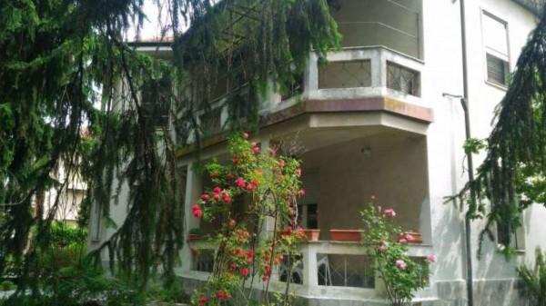 Villa in vendita a Sale, Con giardino, 300 mq