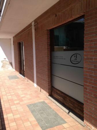 Locale Commerciale  in vendita a Pombia, 120 mq - Foto 3